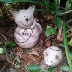Keramik Katze mit Anhänger und Maus